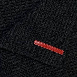 Prada soft wool ribbed scarf 🧣